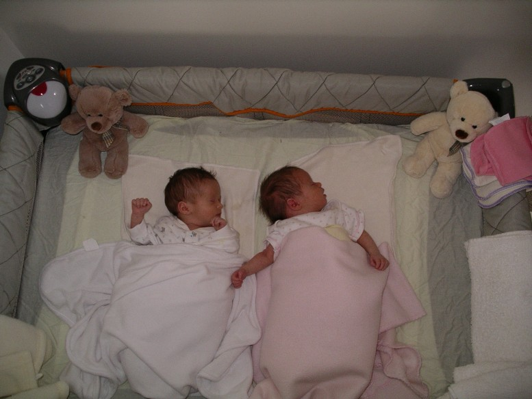 Sleeping Arrangements For Newborn Twins